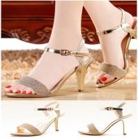 Giày Sandal đính Kim Tuyến Màu Vàng